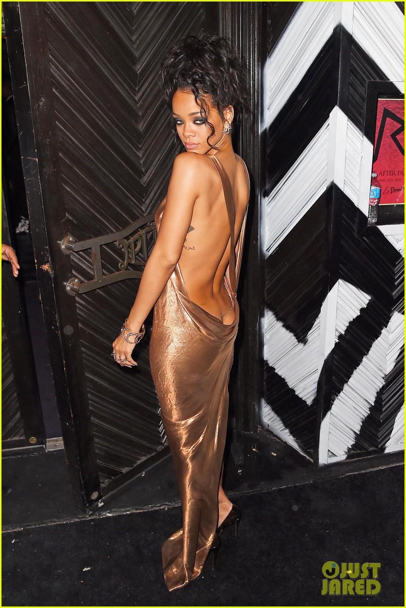 rihanna is golden goddess at met ball 2014 after party 013106725