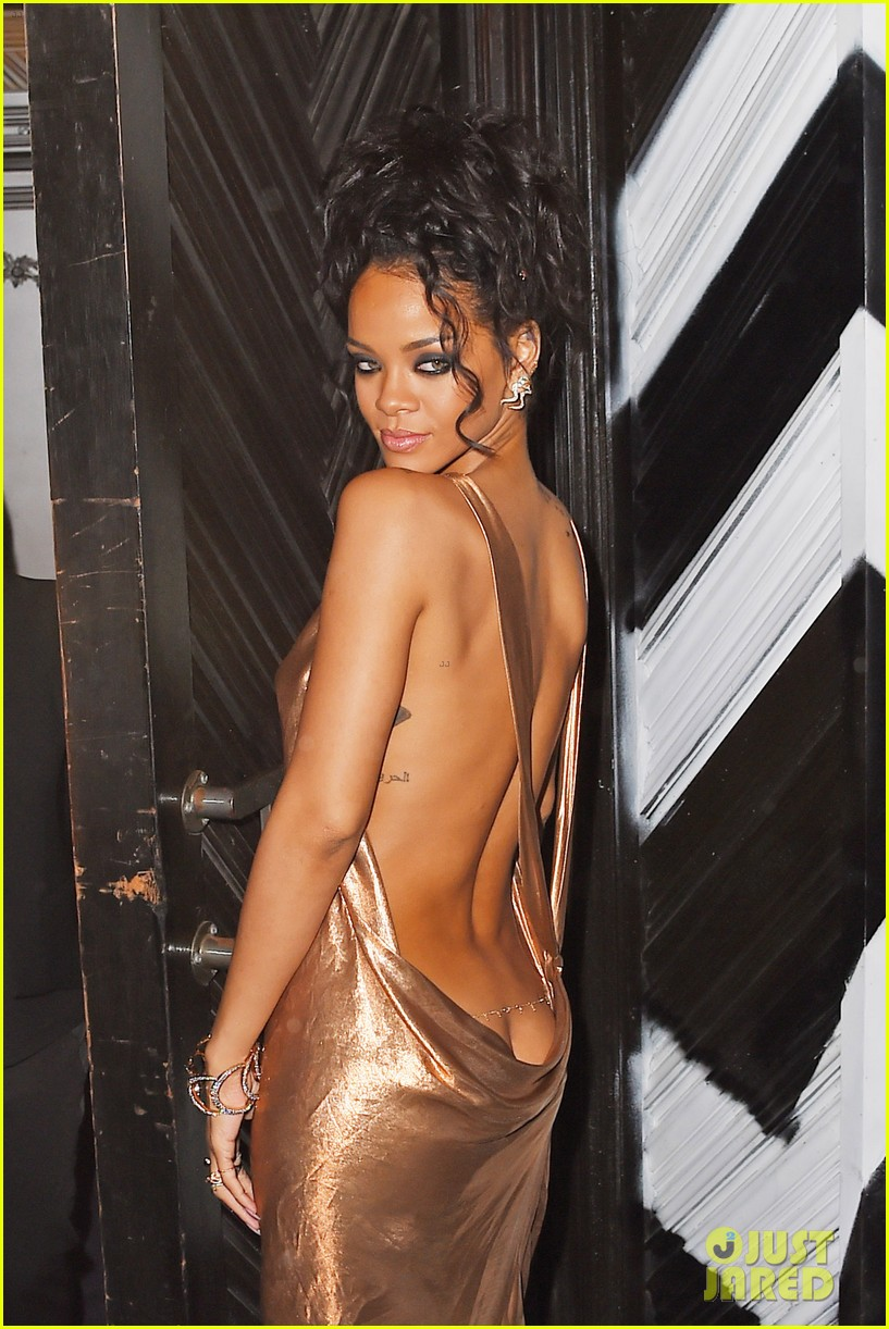 rihanna is golden goddess at met ball 2014 after party 133106737