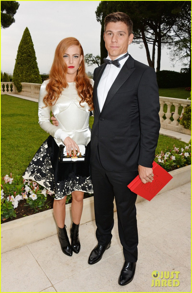 riley keough amfar 2014 cannes 043119987