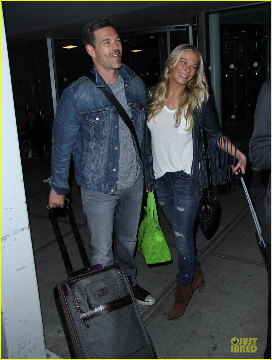 leann rimes eddie cibrian denim pair in nyc 153117958