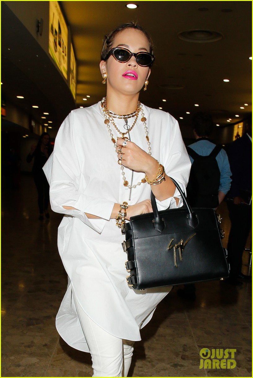 rita ora makes calvin harris relationship work 113121012