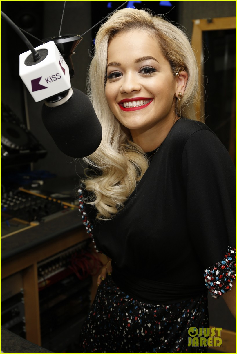rita ora celebrates no 1 single topless 073112899