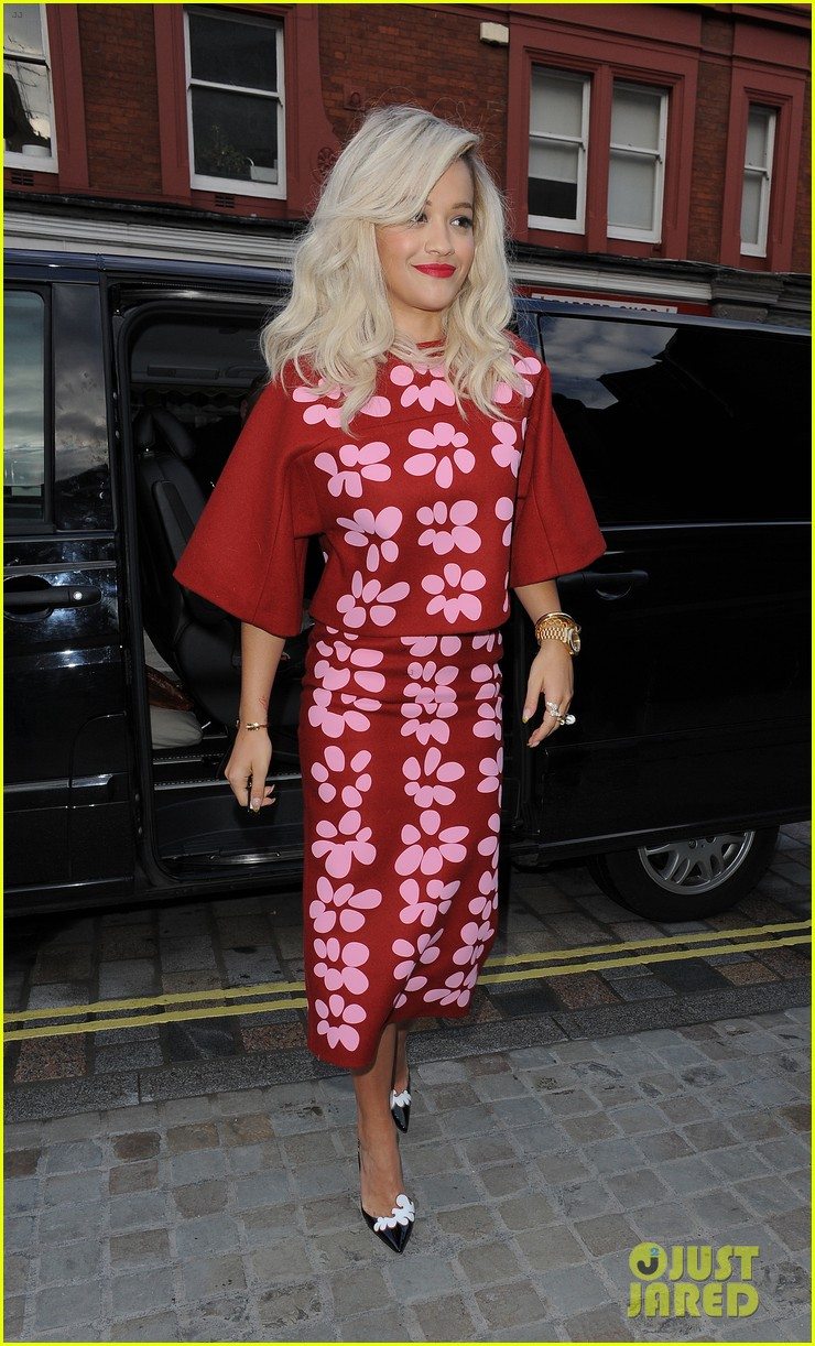 rita ora celebrates no 1 single topless 253112917