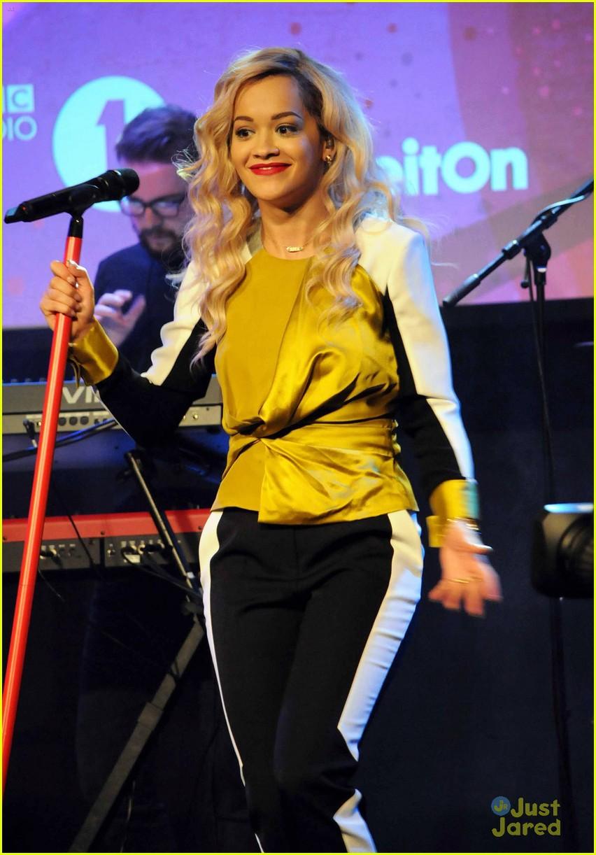 rita ora performs queen margaret union 053112935