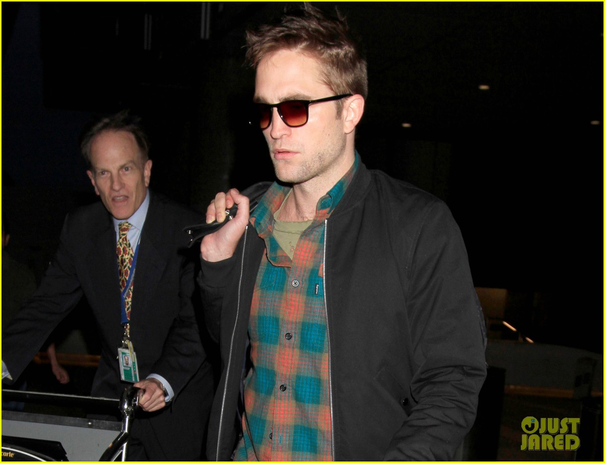 robert pattinson hasnt found footing as an actor 023123778