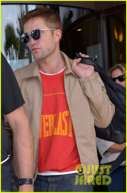 robert pattinson cannes best place promote films 043118847