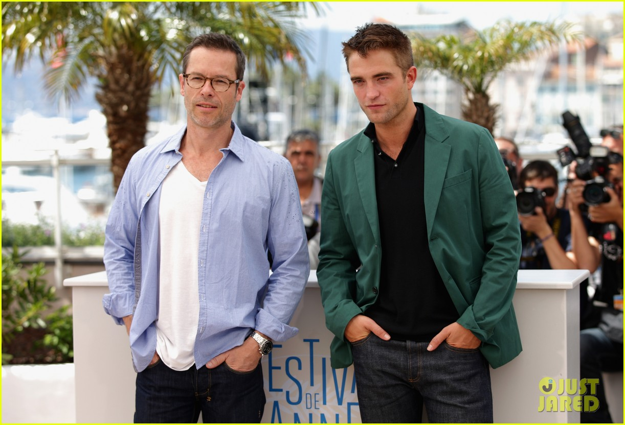 robert pattinson the rover photo call cannes 093116176