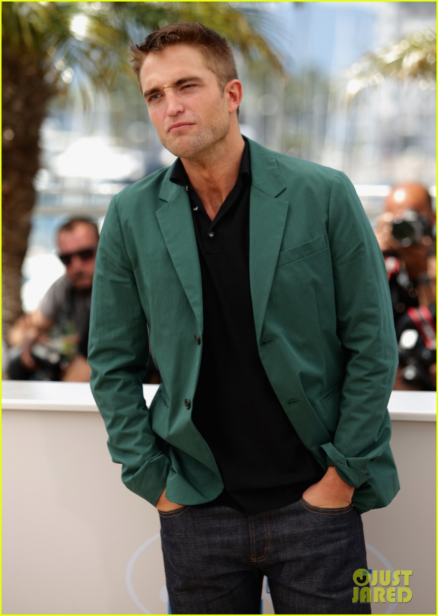 robert pattinson the rover photo call cannes 123116179