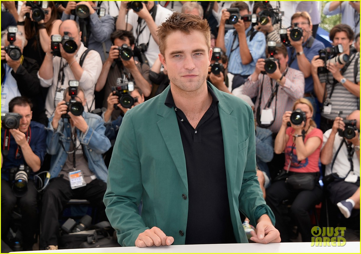 robert pattinson the rover photo call cannes 143116181