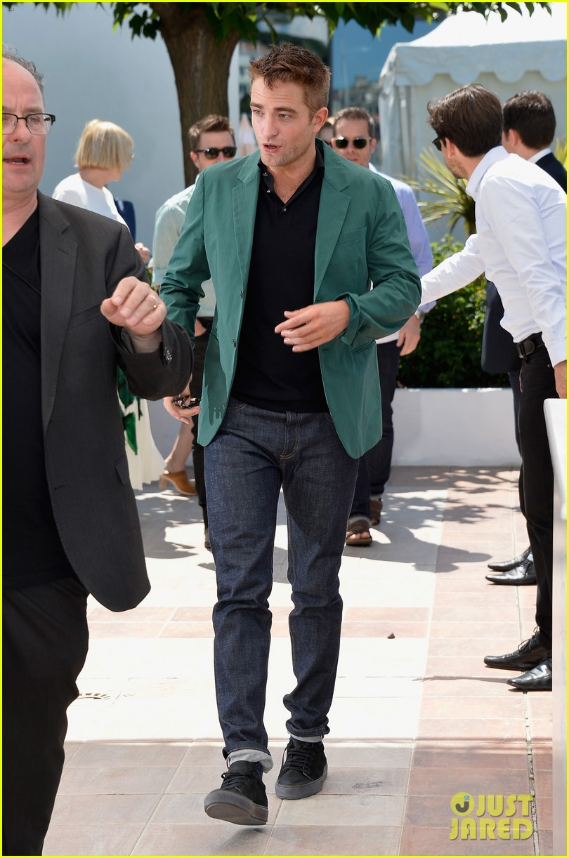 robert pattinson the rover photo call cannes 173116184