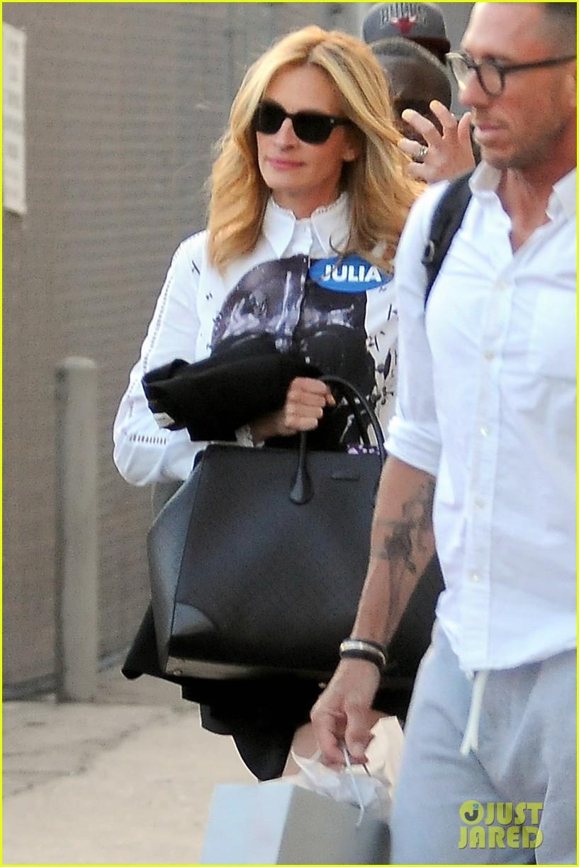 julia roberts sally field celebrity curse off 043106942