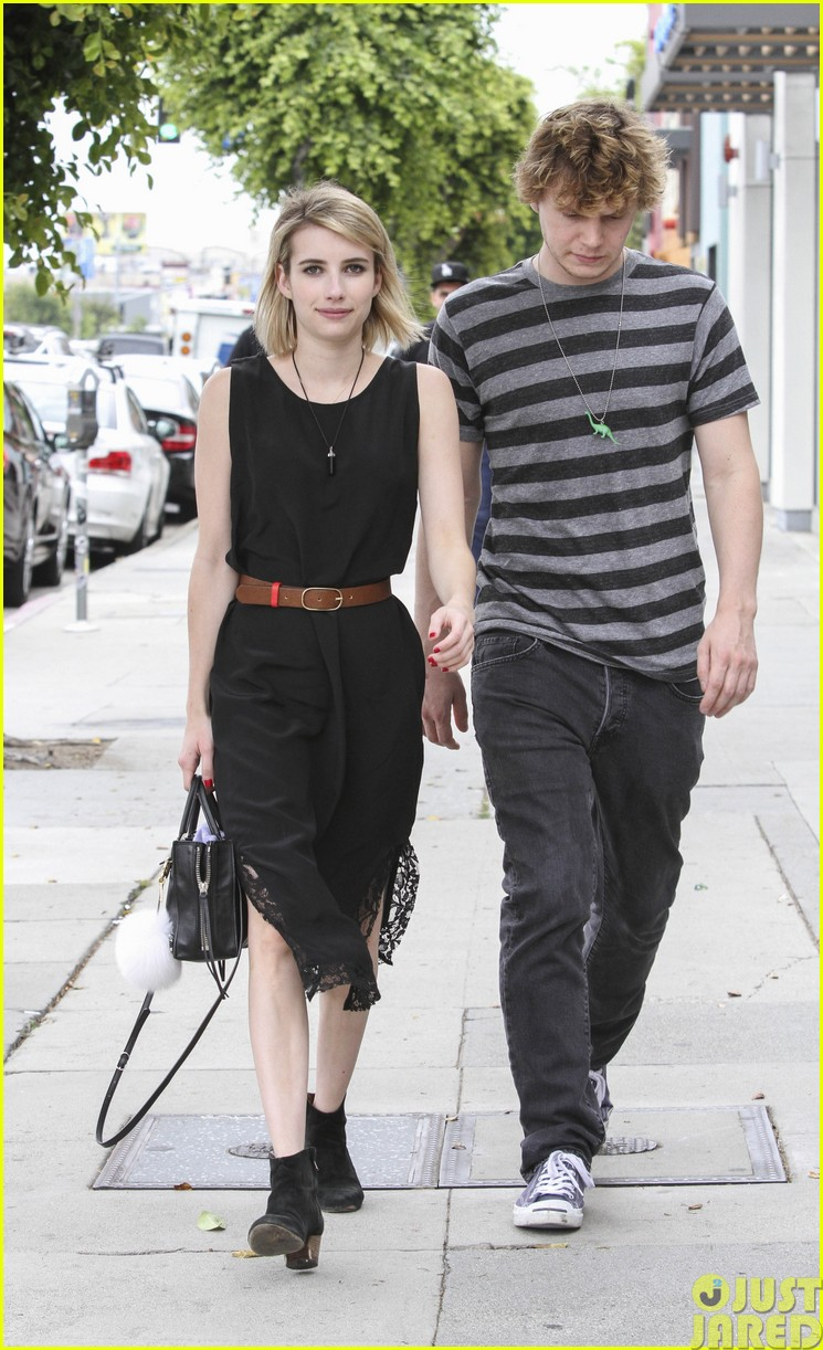 emma roberts evan peters spf sunscreen summer02