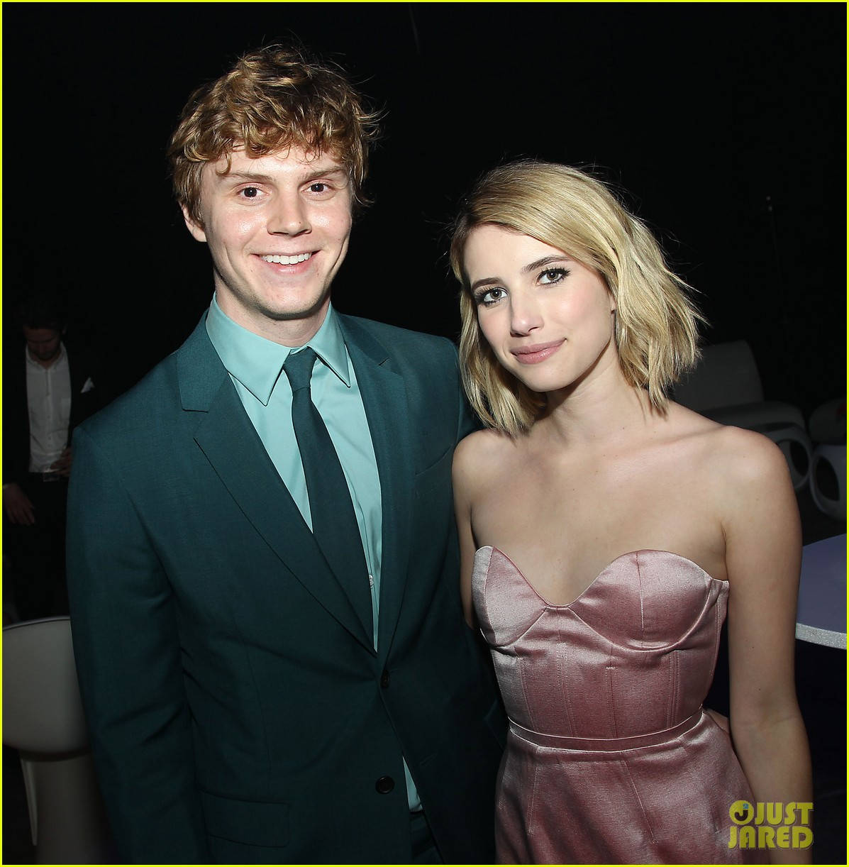 emma roberts evan peters x men premiere 30