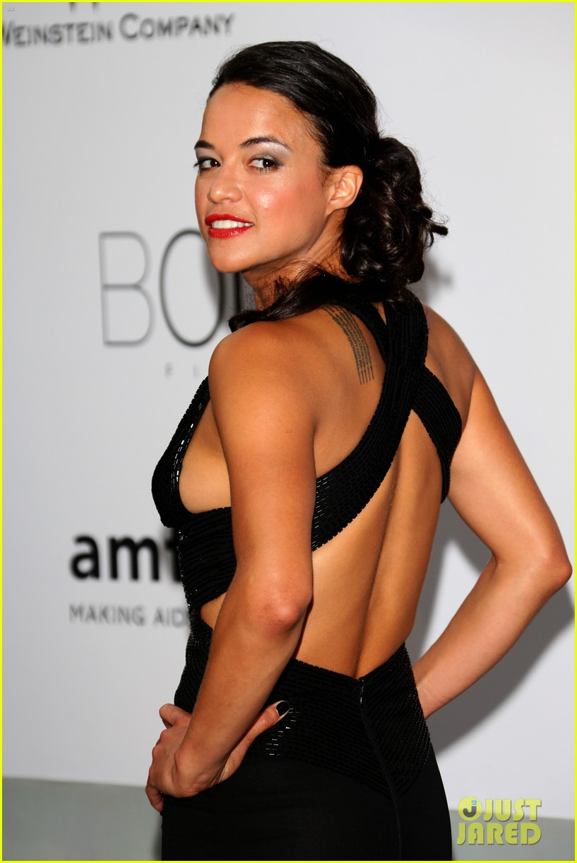 michelle rodriguez milla jovovich keep it chic at cannes amfar gala 043120041