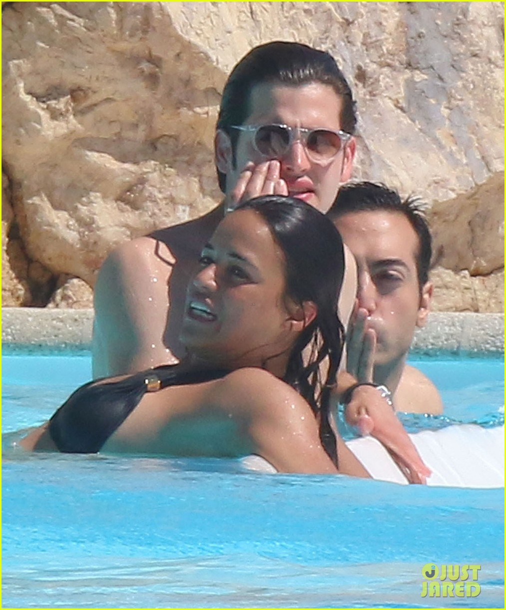 michelle rodriguez bikini poolside in cannes 06