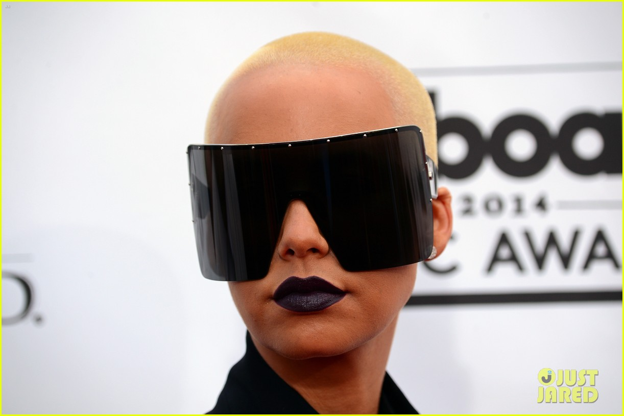 amber rose wears huge sunglasses at billboard music awards 2014 with wiz khalifa 033116805