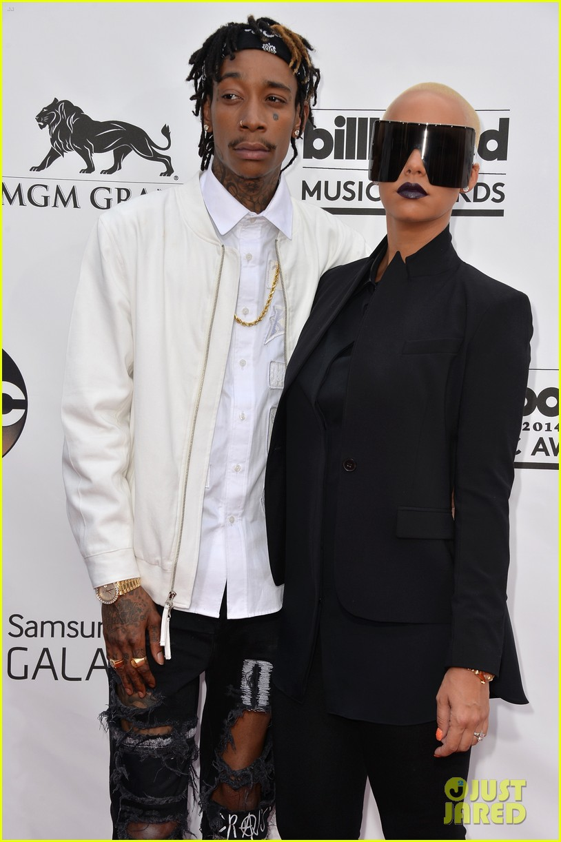 amber rose wears huge sunglasses at billboard music awards 2014 with wiz khalifa 04