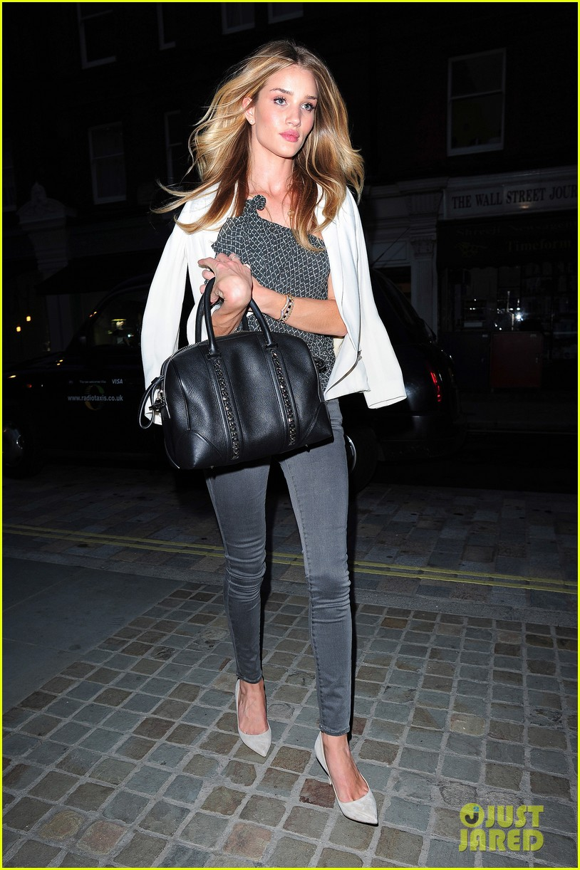 rosie huntington whiteley suki waterhouse chiltern firehouse 063124474