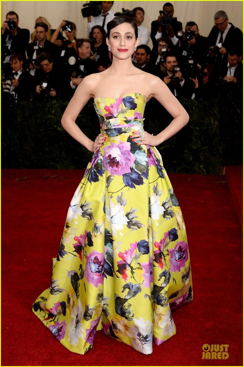 emmy rossum floral met ball 2014 053105929