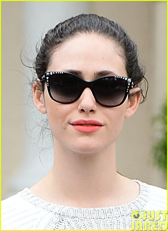 emmy rossum has a blast with michael buble on their flight033121308