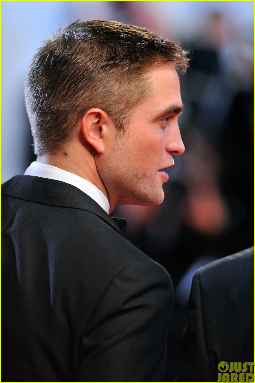 robert pattinson dons a dapper suit for the rover cannes premiere133116656