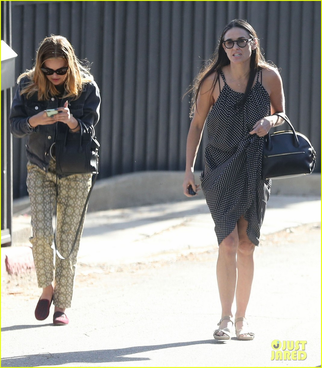 rumer tallulah willis celebrate mothers day with mom demi moore 02