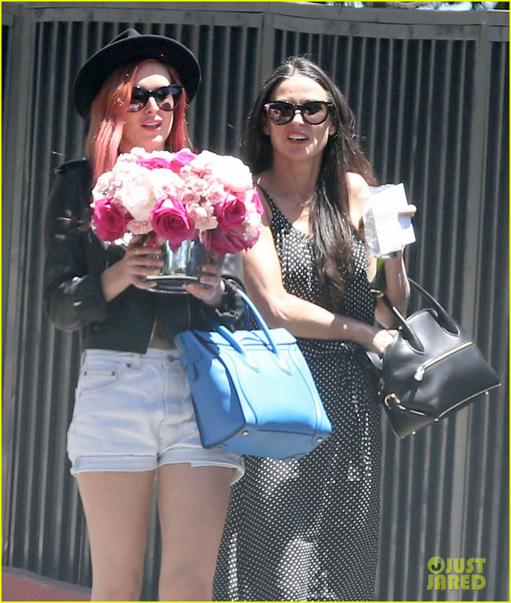 rumer tallulah willis celebrate mothers day with mom demi moore 043111303