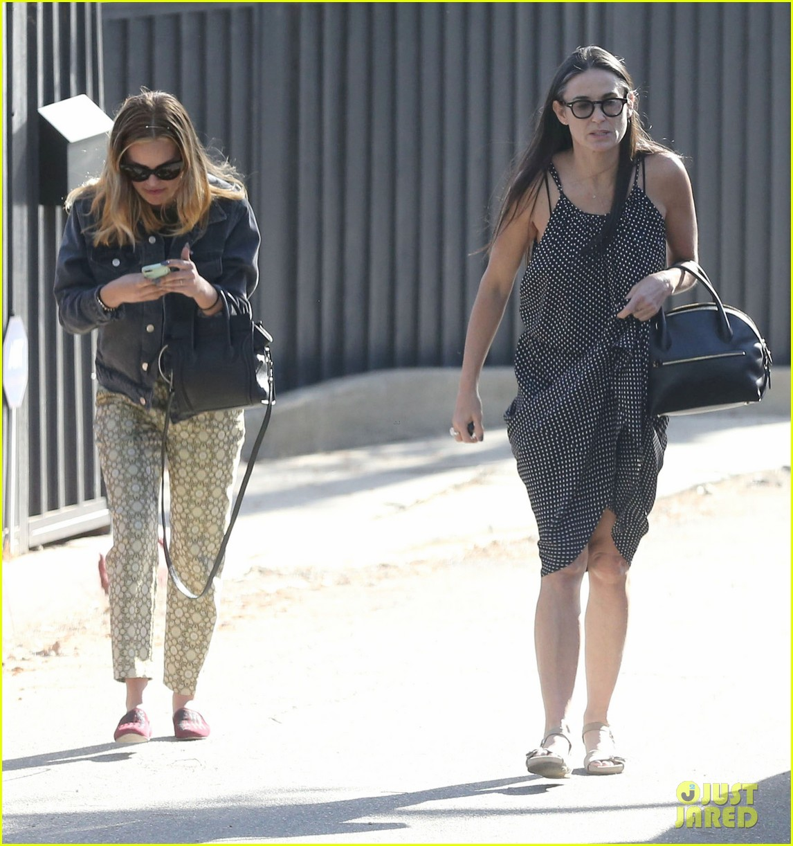rumer tallulah willis celebrate mothers day with mom demi moore 083111307