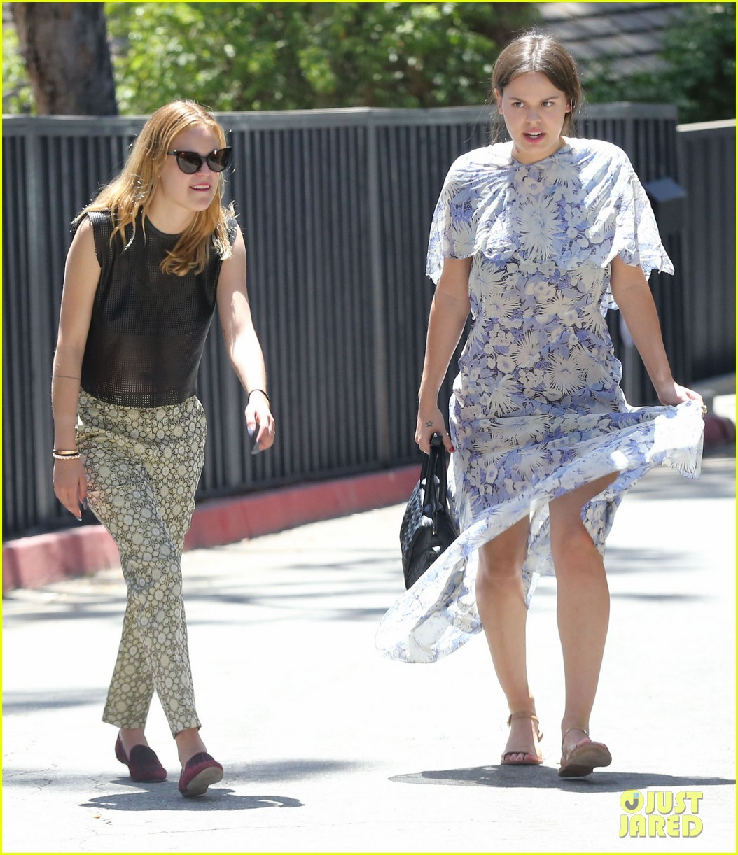 rumer tallulah willis celebrate mothers day with mom demi moore 10