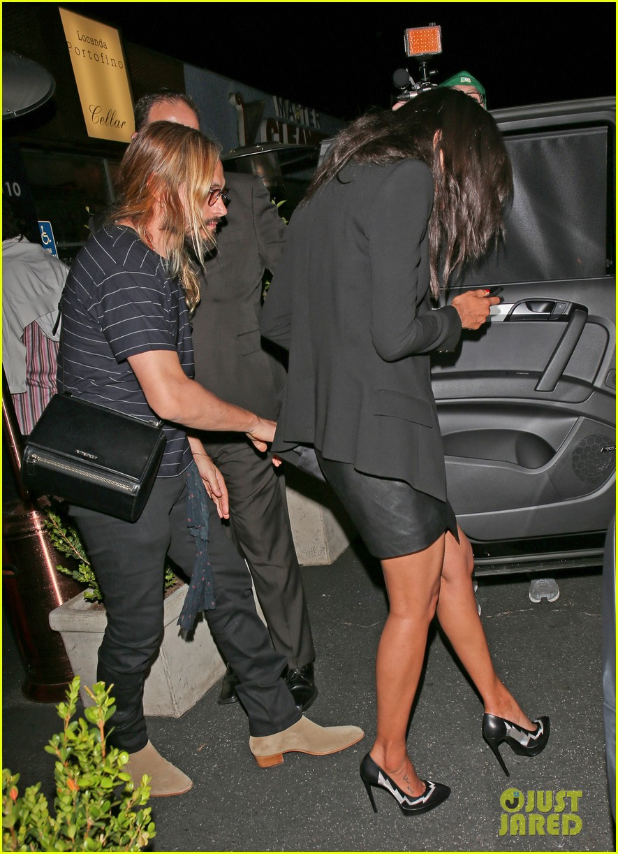 zoe saldana cannot contain her giggles out with marco perego 103105242
