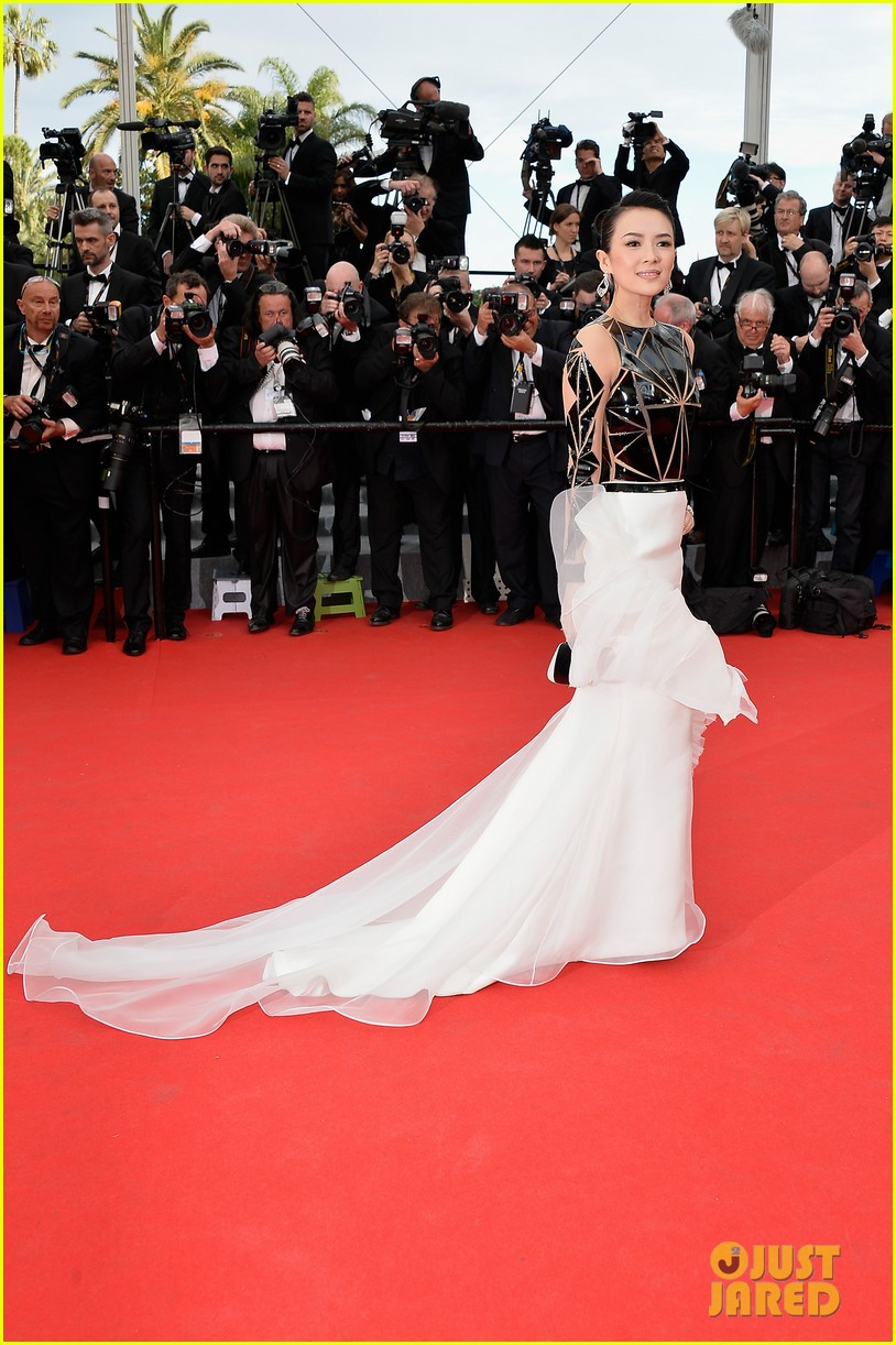 zoe saldana ziyi zhang epitomize class at cannes opening ceremony 013113205