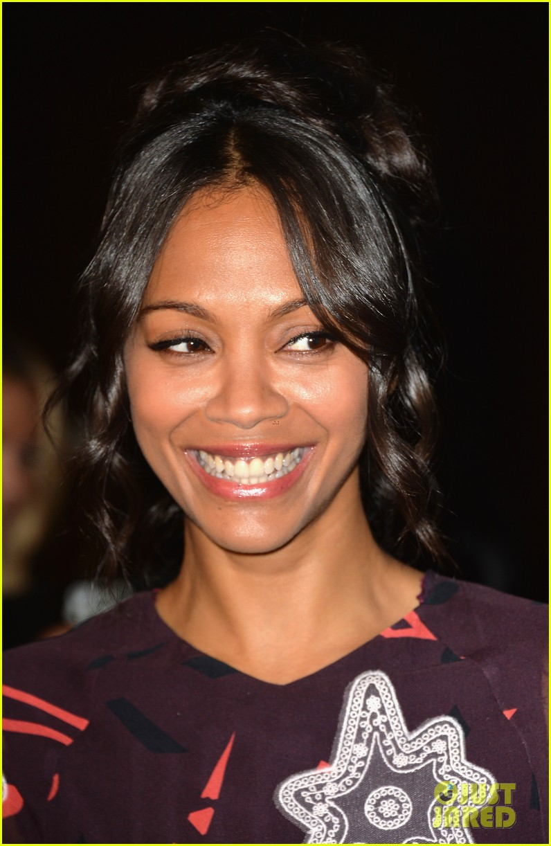 zoe saldana honored at the step up inspiration awards 02