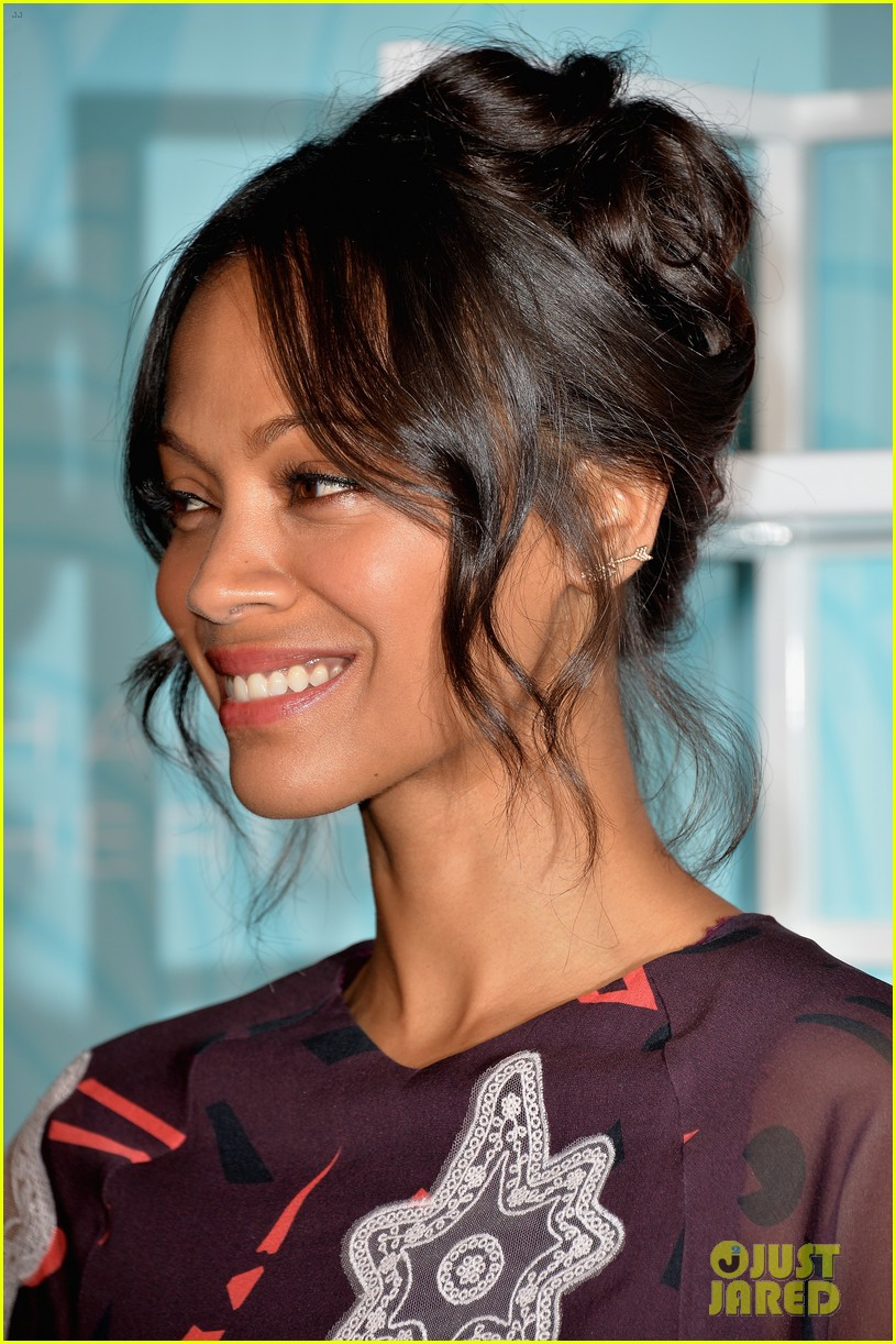 zoe saldana honored at the step up inspiration awards 123124936