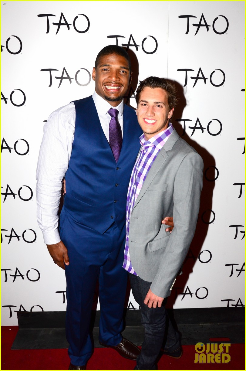 michael sam boyfriend vito party in vegas after nfl draft 103111481