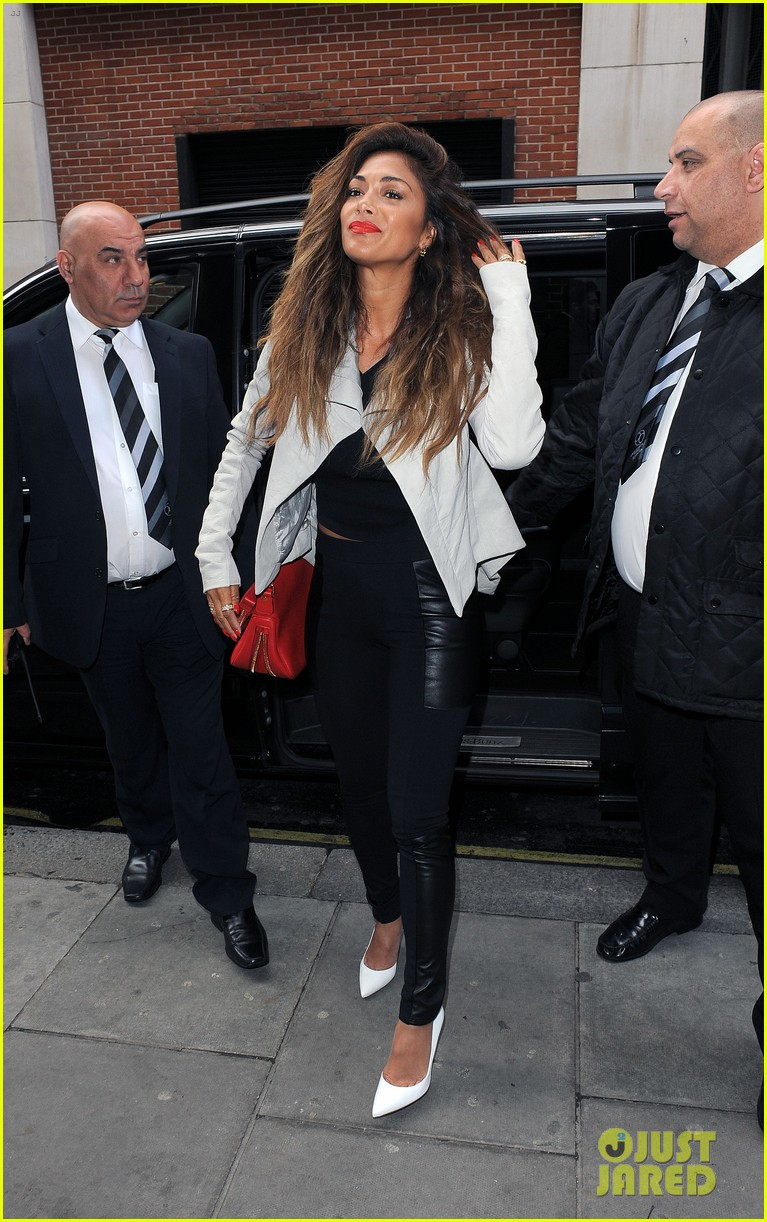 nicole scherzinger visits kiss fm to premiere new single your love 09