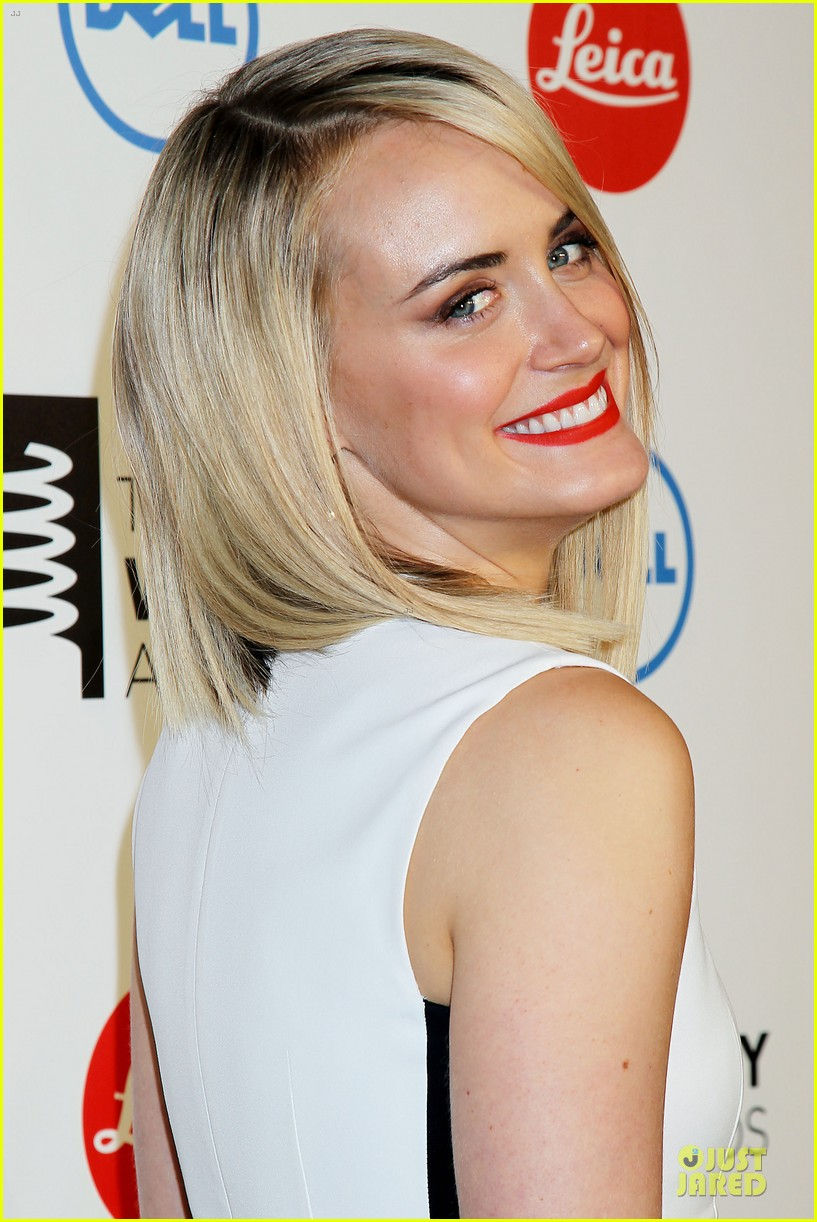 taylor schilling actress of the year at webby awards 02