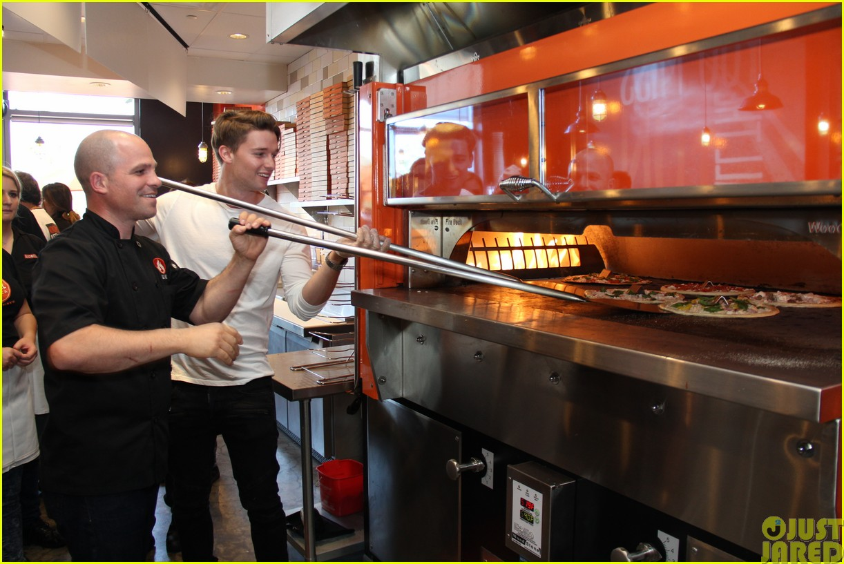 patrick schwarzenegger celebrates the opening of blaze pizza with family and friends073121535