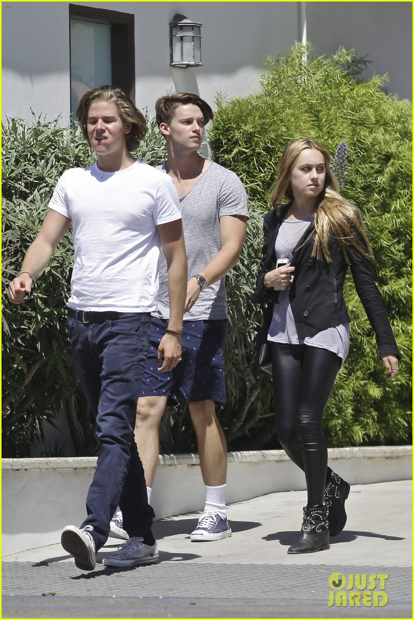 patrick schwarzenegger lunches in malibu with girlfriend tootsie burns 043113404