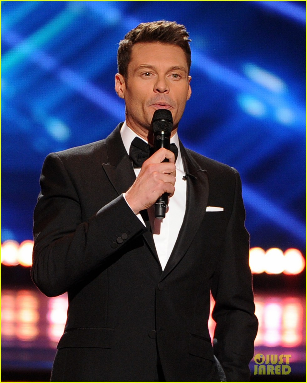 ryan seacrest sings on american idol finale watch now 033119365