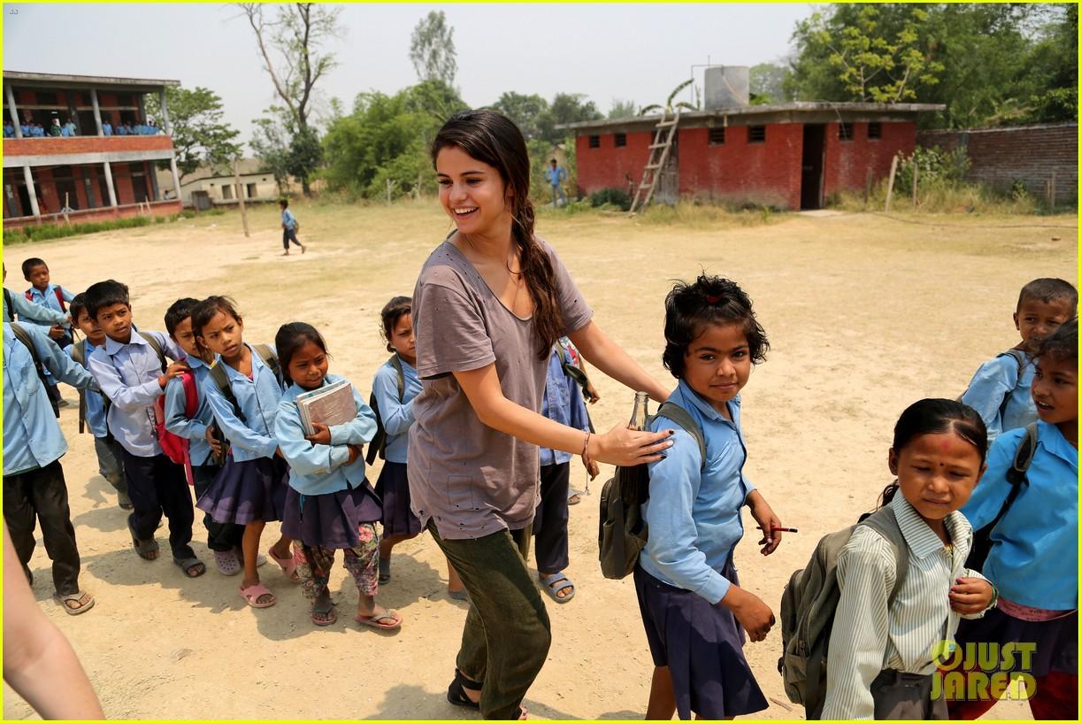 selena gomez travels nepal photos 033123851
