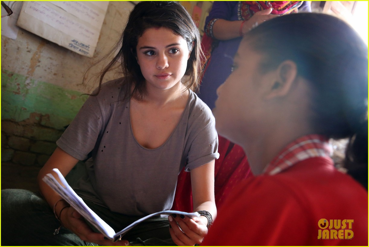 selena gomez travels nepal photos 043123852