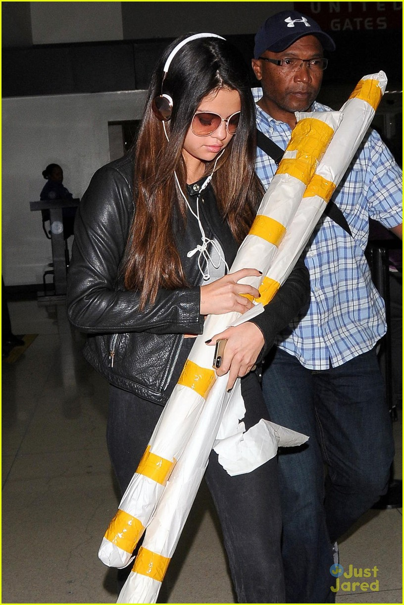 selena gomez lax white yellow poles 053112691