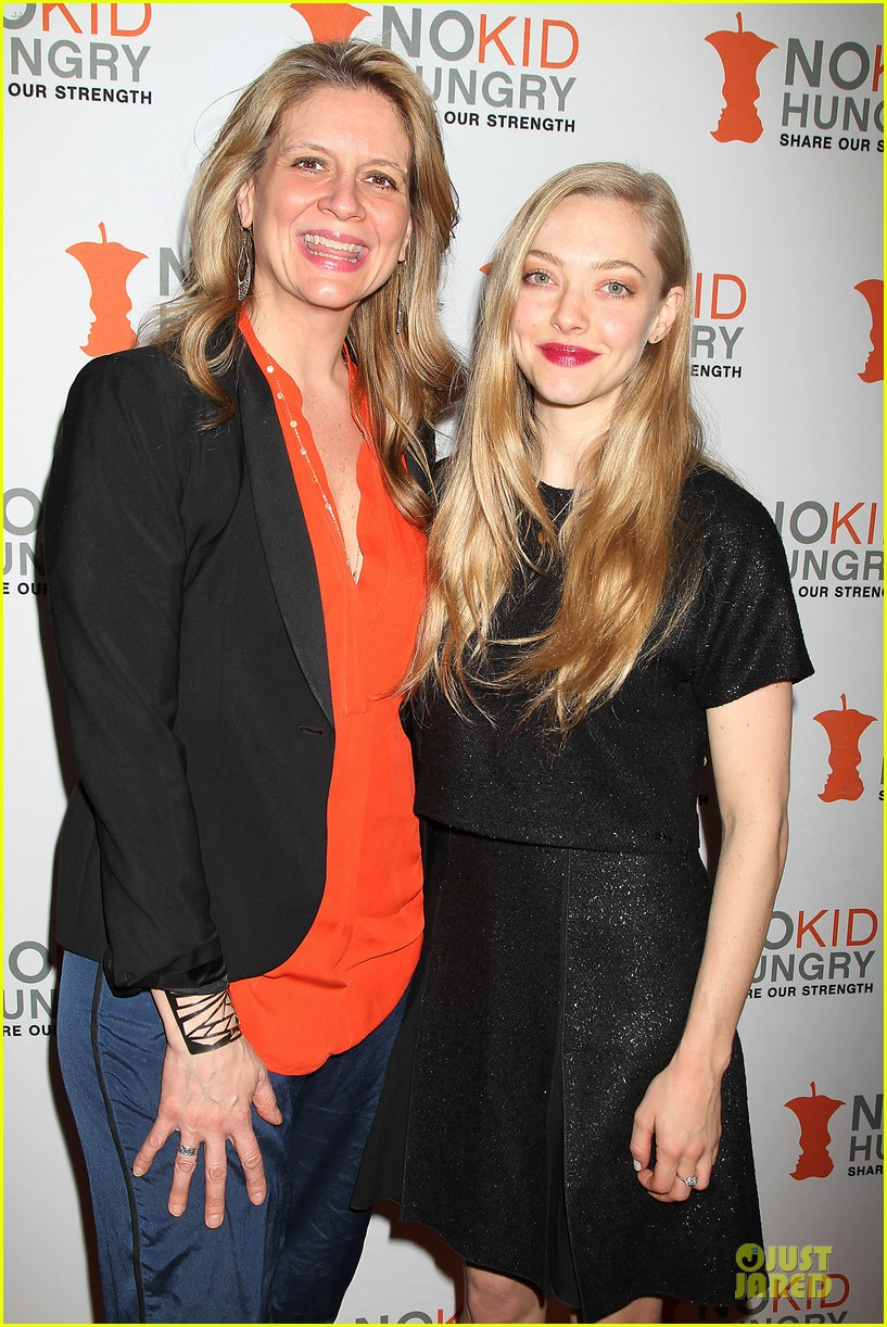 amanda seyfried justin long end childhood hunger 13