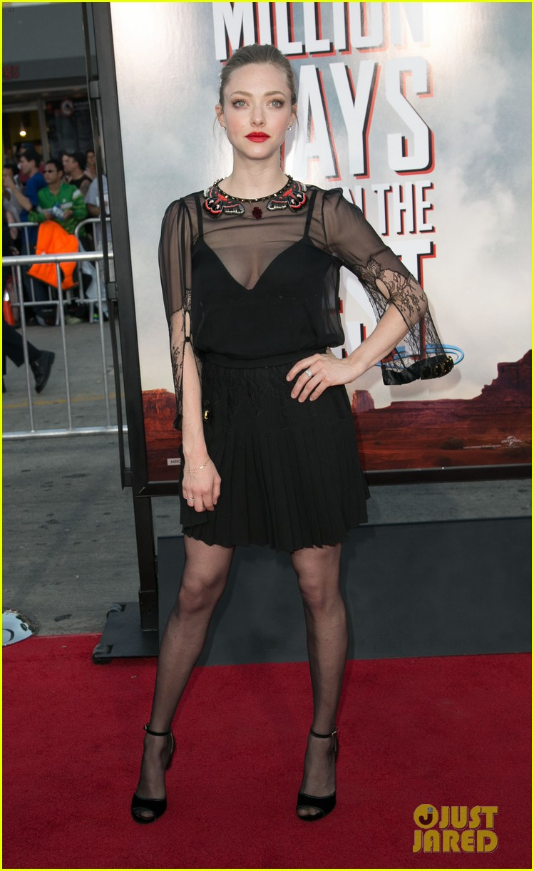 amanda seyfried million ways to die in the west premiere 013114776