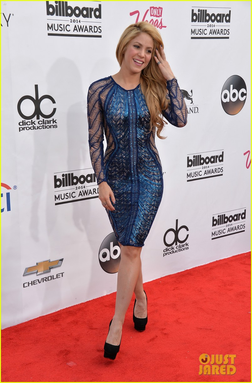 shakira billboard music awards 2014 red carpet 06