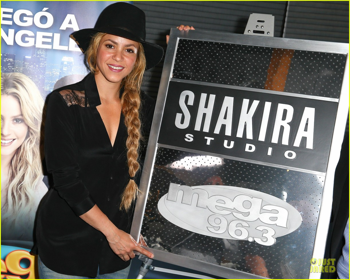 shakira braids at radio station unveiling 043115364
