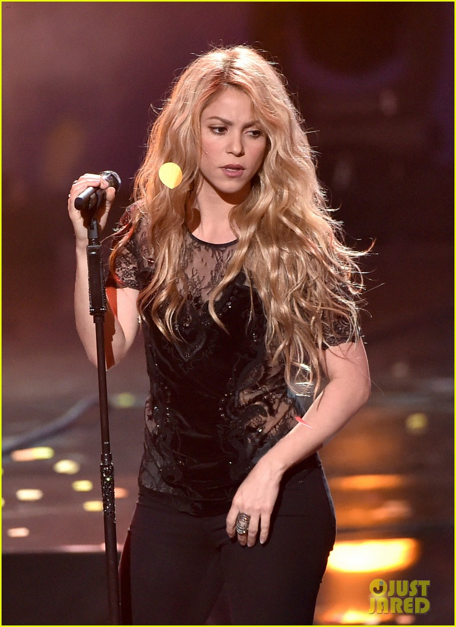 shakira iheartradio music awards 2014 163103531