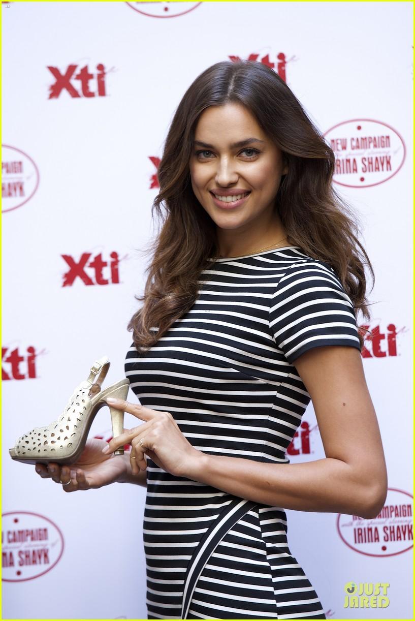 irina shayk stripingly amazing shoes 103109840