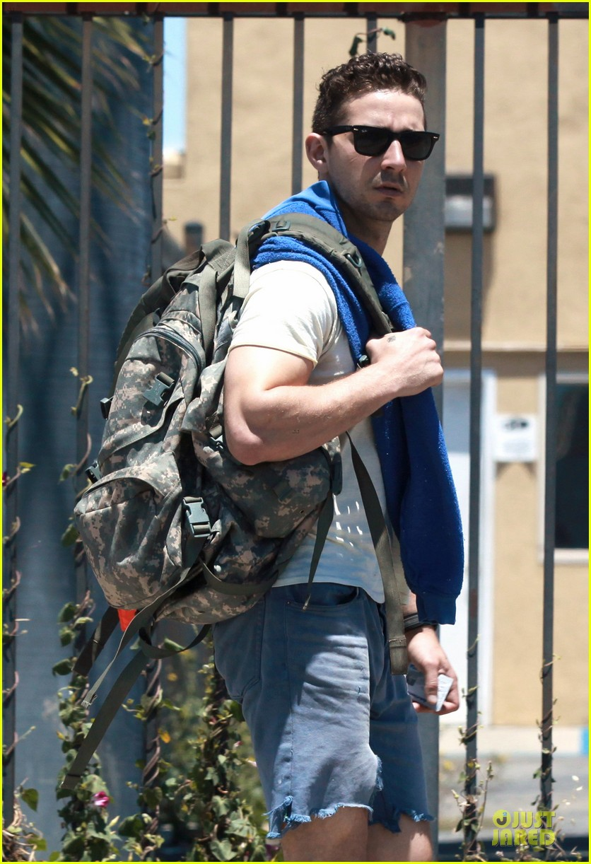 shia labeouf shaves off beard see pics 043118439