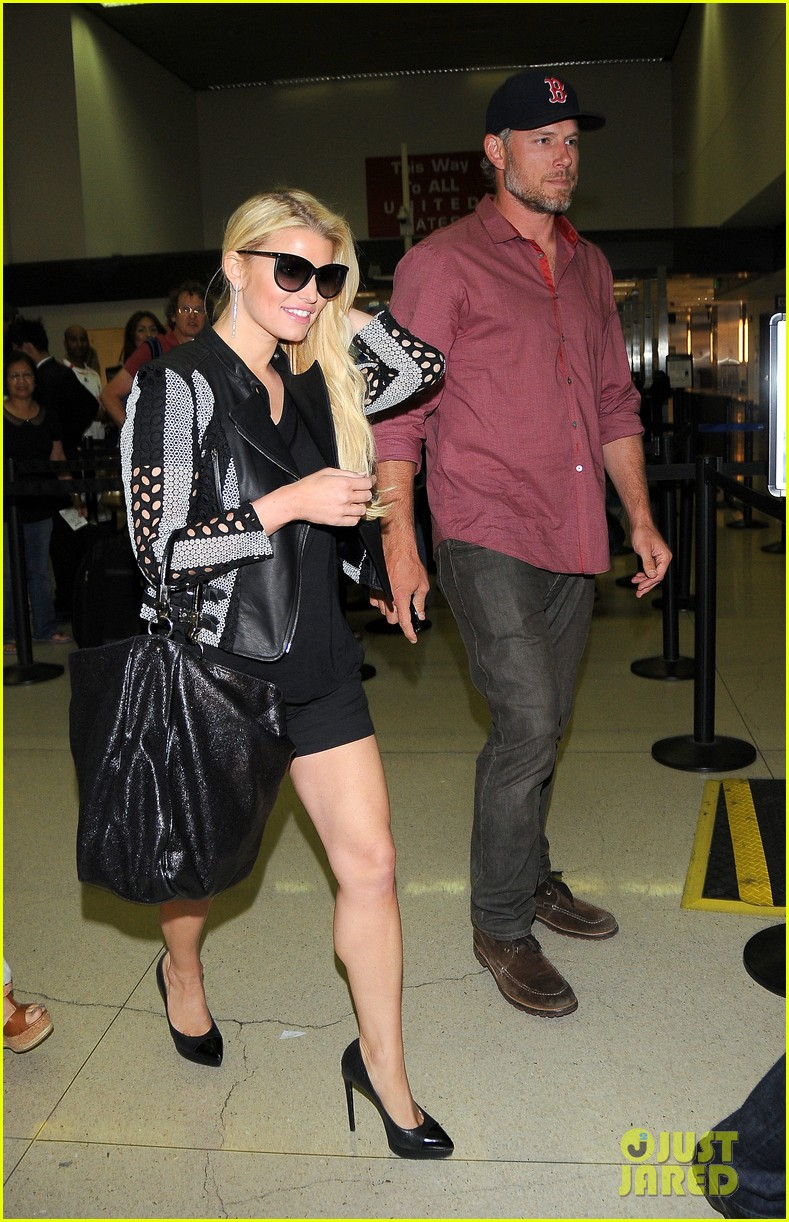 jessica simpson is one leggy lady after the white house dinner 033105429
